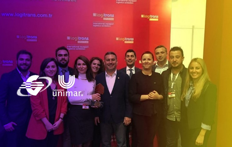 "Globelink Unimar Turkey receives the ""international air freight company of the year"" Atlas award, during the Logitrans fair  ."